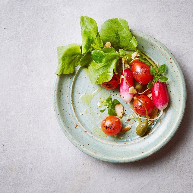 I got asked for a quick salad suggestion from the random bits from the studio kitchen. Ended up making something like we'd do back in the day with @rado.mitro and @robcox3012 • • • #foodstylist #salad #tomato #radish #foodphotography #instafood #summerfood #manchester #f52grams #feedfeed #thecookfeed #almond #chef #cook