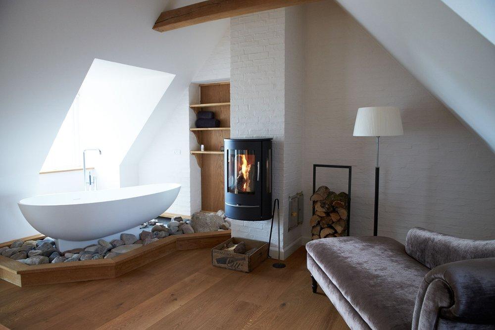 luksus suite på Blæsenborg Vejrø Resort.jpg