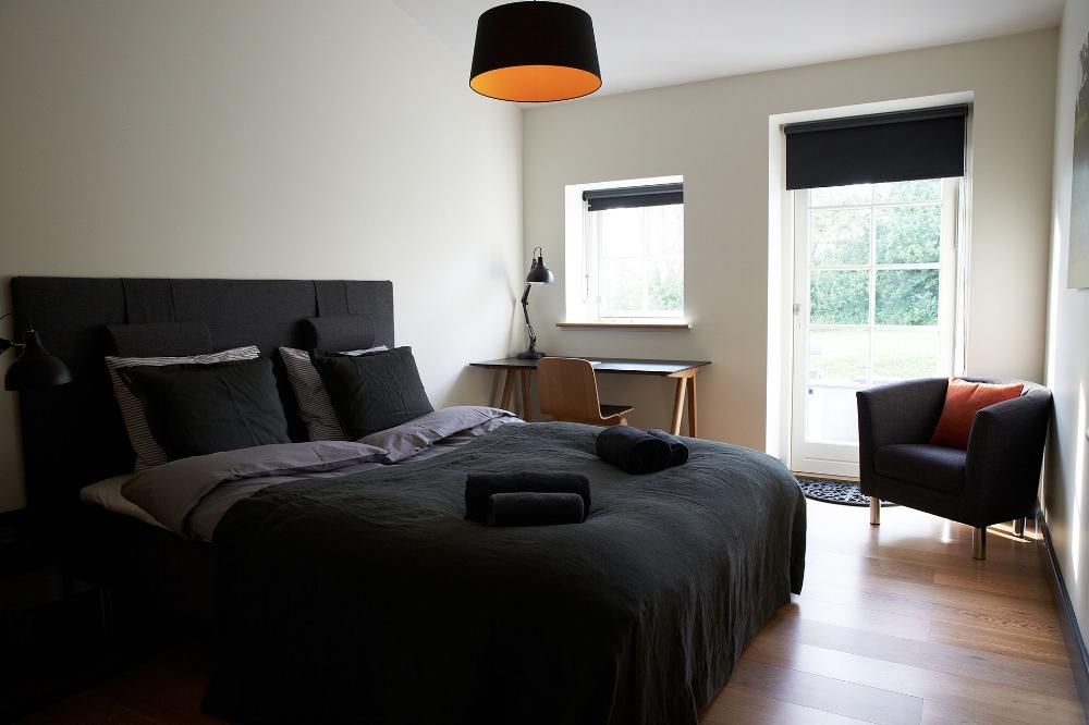 dobbeltværelse i karlekammeret vejrø resort.jpg