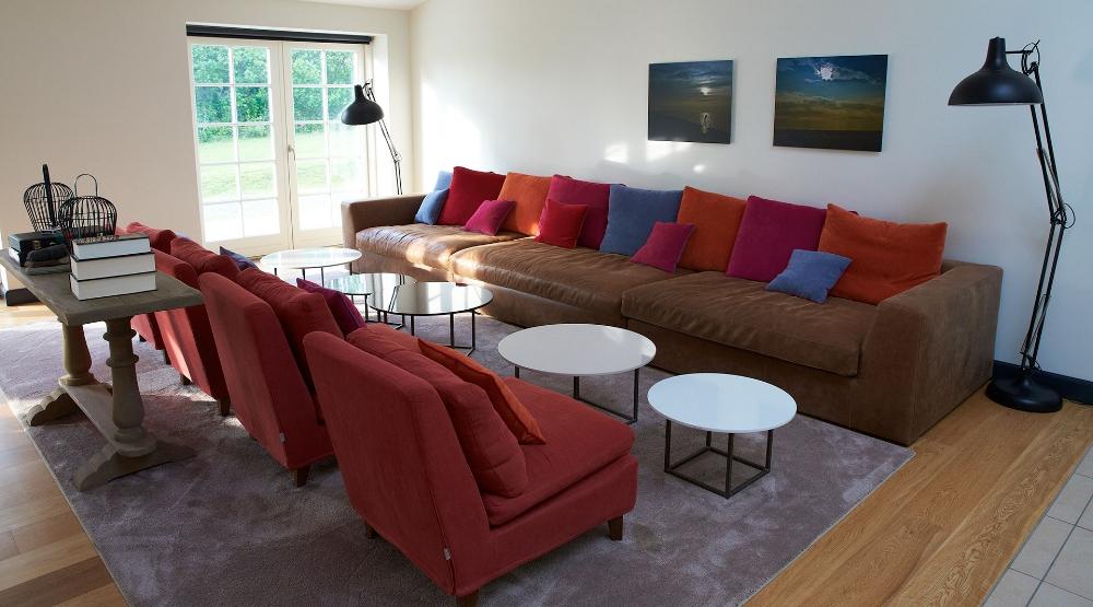 lounge i karlekammeret vejrø resort.jpg