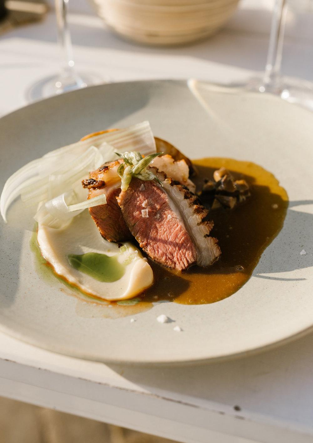 Velsmagende gastronomi og gode råvarer i Restaurant Skipperly, Vejrø Resort.jpg