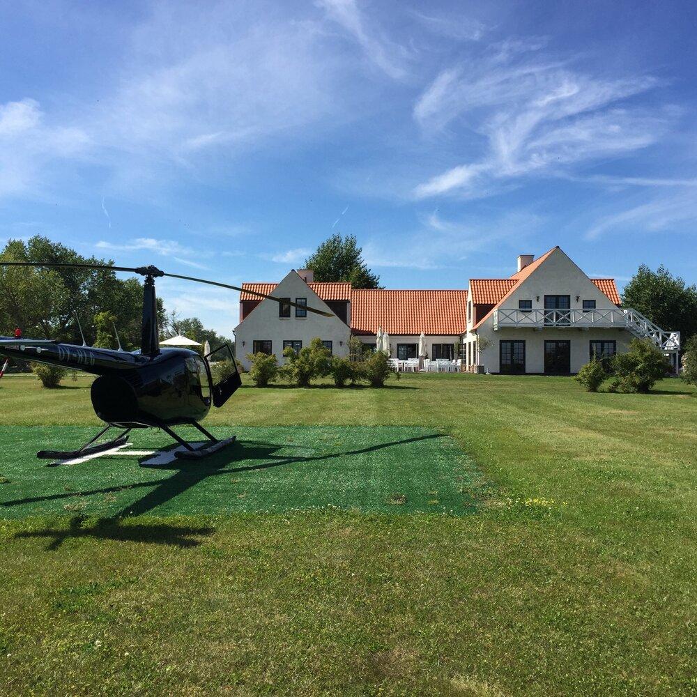 Skipperly Helikopterlandingsplads med heli.jpg
