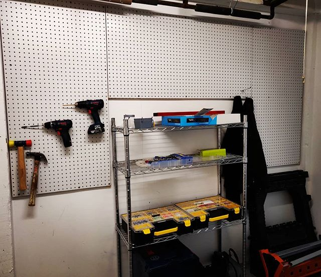 New shop, new organization. #diyoung #shopproject #pegboard #somanyoptions