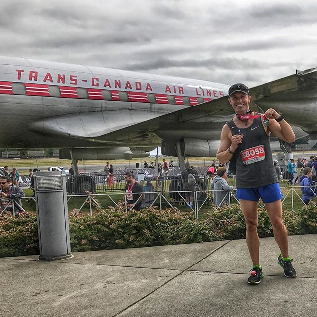 Getting the 5k Remix done in Seattle and right next to the Museum of Flight! . Such an amazing city! So grateful for the opportunity to run with incredible racers that love life and play full out. We work thru the pain, knowing it's just fear leaving the body and forging us to get better. . Without heat, there can be no pure gold. . Love the life you create. ❤️ . #rnrsea #marathon #run #seattle #museumofflight #runner #trainhard #runfast #beautiful #epiclife #cool