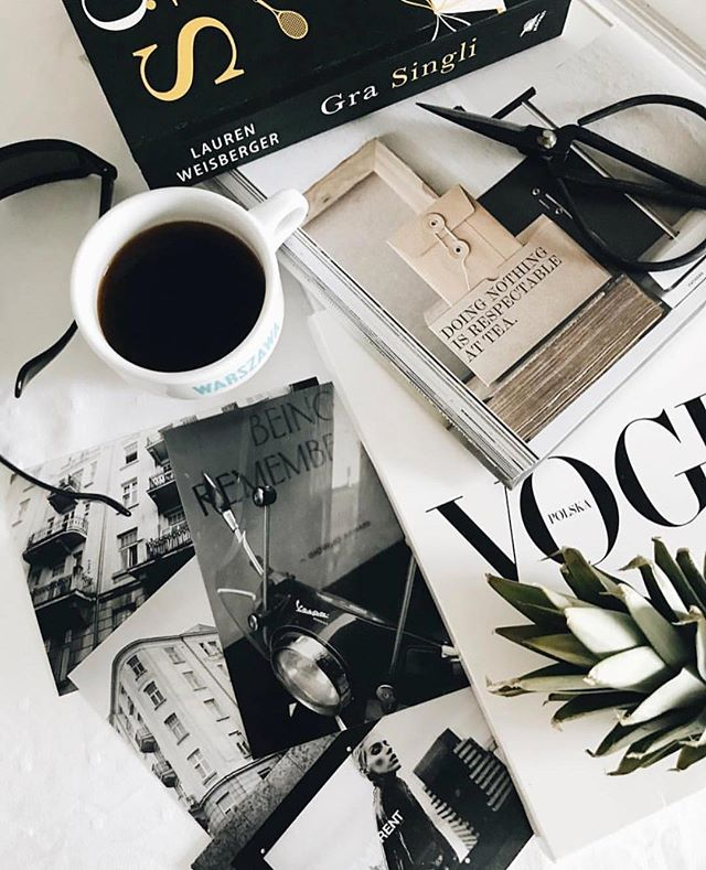 Saturday mornings with a cup of coffee & a @vogue mag ☕️👌🏽 #perfectsaturdaymorning
