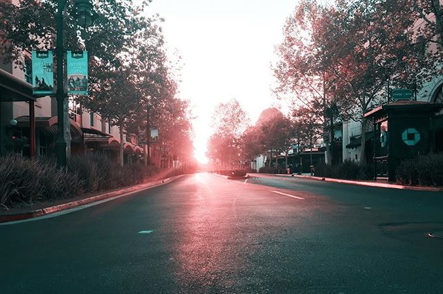 THE TEAL PINK PROJECT: 050 * * * #ttpp #thetealpinkproject #tealpink #teal #pink #project #sonya6000 #gopro #djimavic #iphone #photography #shotoniphone6 #victoriagardens #mall #sunrise #emptyroad #earlymorning #sunlight