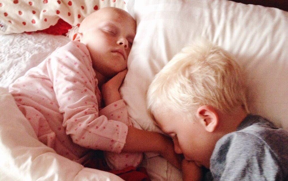 siblings_t20_XQwJg3.jpg
