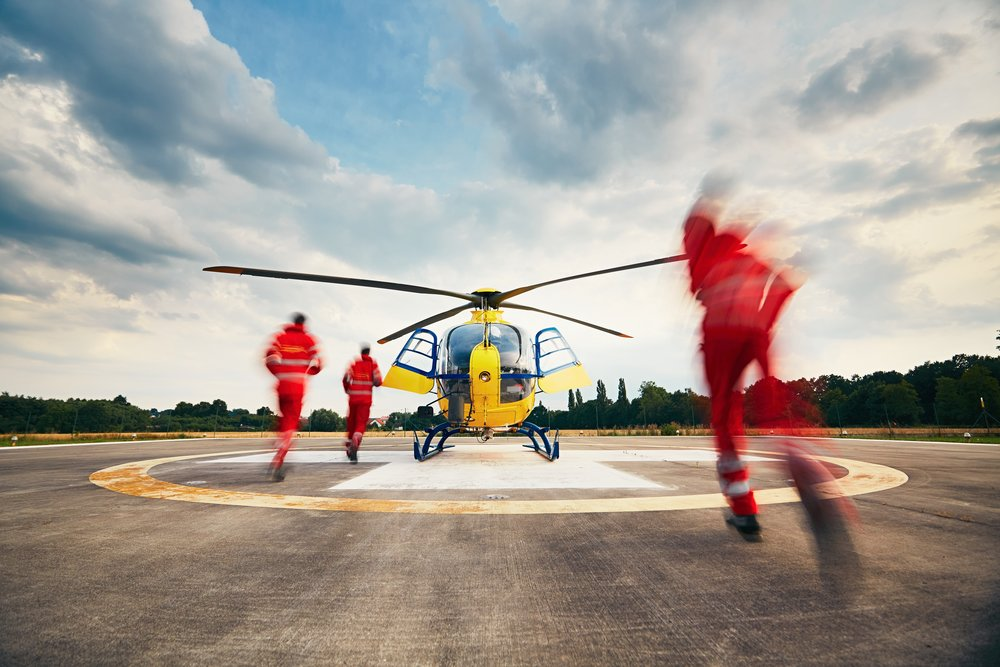 alarm-for-the-air-rescue-service-team-of-rescuers-paramedic-doctor-and-pilot-running-to-the-on-the_t20_QQ8zGE.jpg
