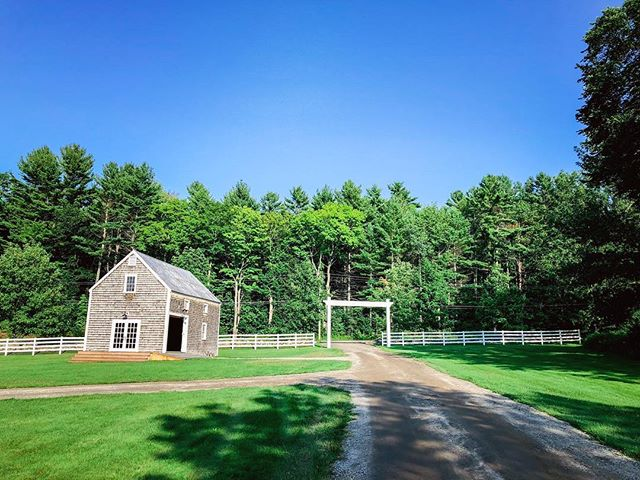 Gorgeous evening to end the weekend of celebrating Lauren and Chris! . . . . #cunninghamfarmmaine #greenerywedding #marthastewartweddings #farmwedding #estatewedding #countrywedding #barnwedding #barn #weddingbarn #weddingvenue #weddingvenuehunting #bestdayever #summertime #mainetheway #themainebride #maineisgorgeous #weddingday #weddingphoto #weddingphotography #venuehunting #venue #landscapephotography #maine #thewaylifeshouldbe #paradise #weddinginspiration #justengaged #estate #weddingwithaview