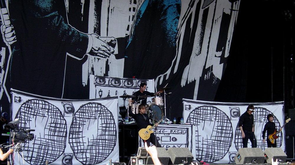 Taking_Back_Sunday_live_in_Leeds.jpg