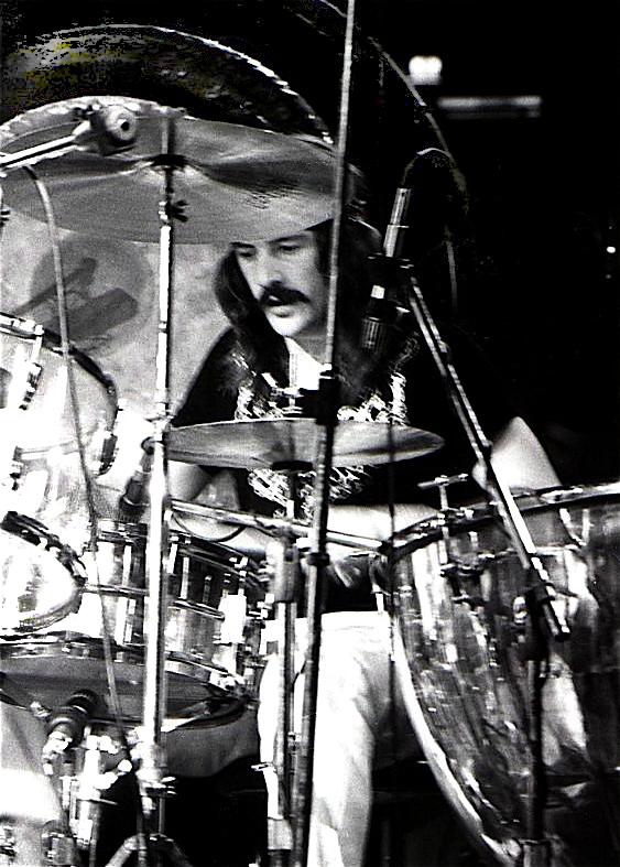 John_Bonham_1975.jpg