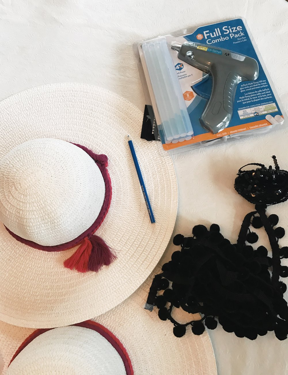 DIY Personalized straw beach hat with sequins