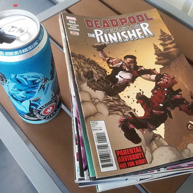 CRAFTCOM wasn't just June 16-17. CRAFTCOM is every day. Time to catch up on reading material with some @griffinclaw Mr.Bluesky. #PullList #CatchUp #CraftBeer #Comics #CRAFTCOM #EverydayCRAFTCOM #GriffinClaw #Deadpool VS #Punisher #Monday