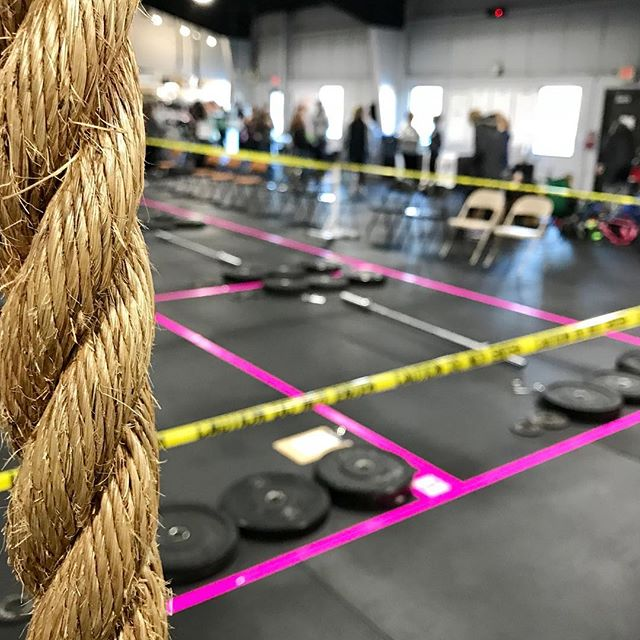 Our first @GirlsGoneRx event as a sponsor-partner! Some badass ladies are throwing around some serious weight and raising serious $ today for @bebrightpink at @crossfitwaukesha. #GirlsGoneRx #dotUPpink #BrightPink