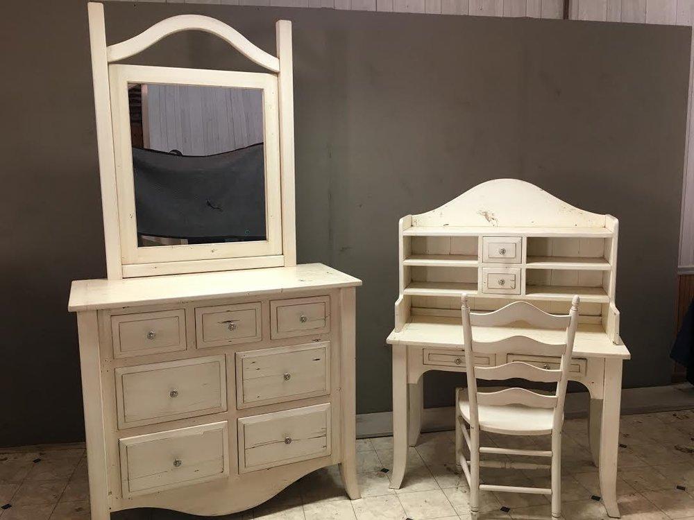 BR13 - Bedroom Suite - Custom