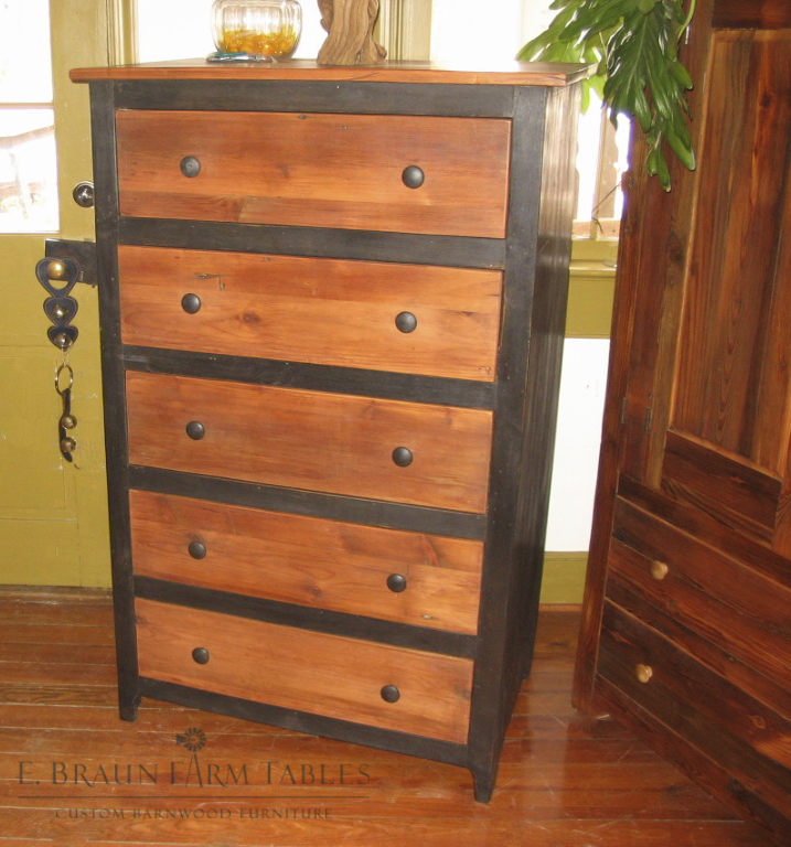 BR46 - Chest of Drawers