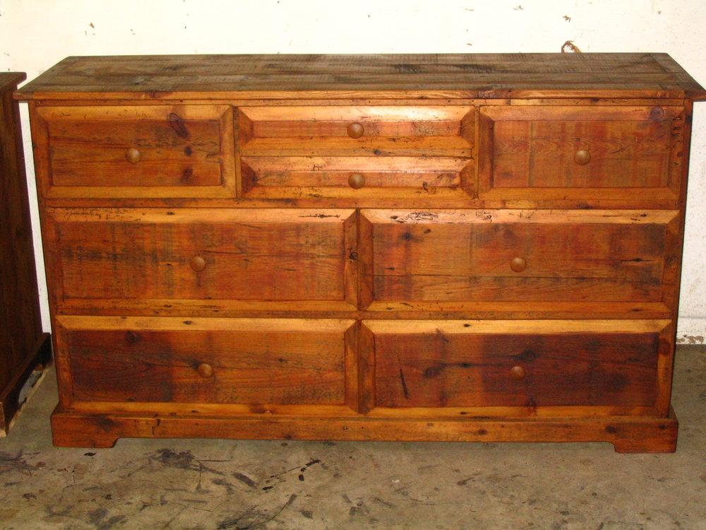 BR55 - Dresser