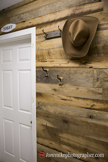 M24 - Barn Wood Accent Wall - Oak