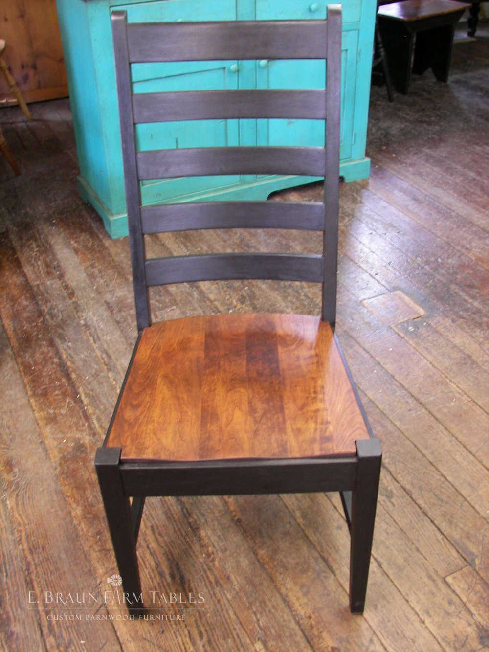 Manhattan Ladder Back Side Chair