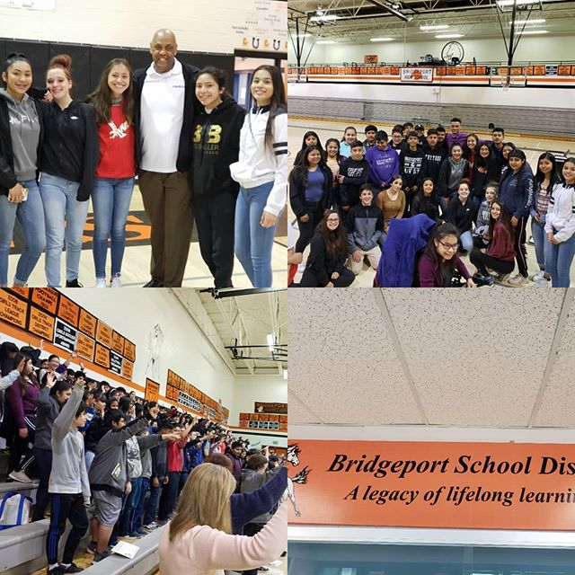 """In the breath taking state of Washington """"Pointing students in a positive direction using the influences of storytelling to engage and gift them with the power of new Choices"""" #Choices #Choicesarereal #RONLJAMES #AmazingStudents #bridgeporthighschool"""