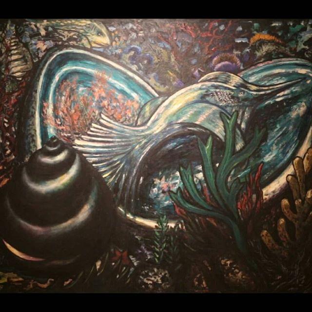 """Como parte de la nueva exposición del Museo de Arte de El Salvador (@marte_esv), """"Diálogos en el Arte Salvadoreño"""", recorremos las obras del capítulo """"Nuevas Realidades, Mundos Paralelos"""", en la que apreciarás obras abstractas, expresionistas y surrealistas de artistas salvadoreños. Más detalles en el link de nuestra bio 🔝"""