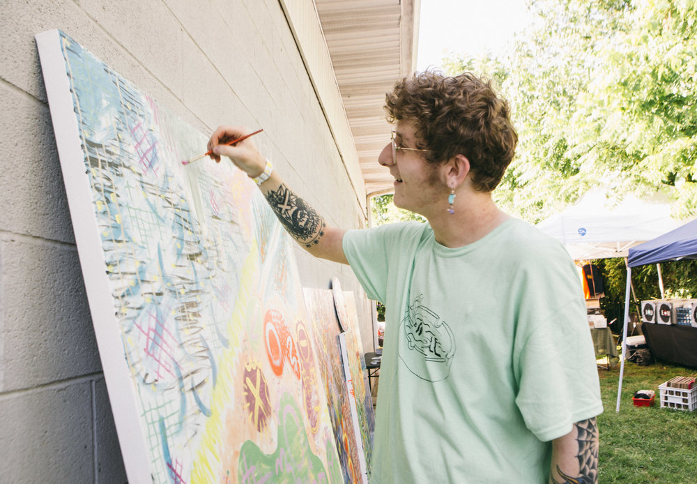 LIVE PAINTING BY DANIEL LANE - FAR OUT FEST 2017 - PHOTO BY AMBER DAVIS