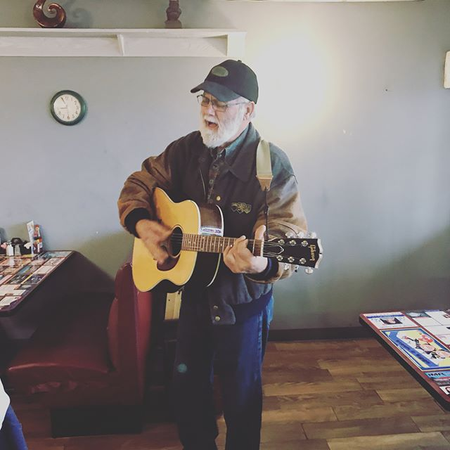 Having a great time on my journey west. This morning I got to sing at a breakfast restaurant for many lovely people from Supulpa, Oklahoma. What a time to be alive! #oklahoma