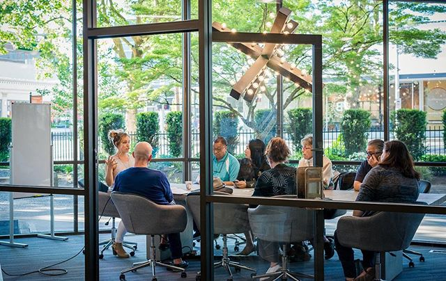 When the sun comes out, take your meeting to our large conference room at our Pac Tower location! ⠀⠀⠀⠀⠀⠀⠀⠀ Three walls of windows make for beautiful natural light ☀️ ⠀⠀⠀⠀⠀⠀⠀⠀⠀⠀⠀⠀⠀⠀ Did you know our conference rooms are open to the public for rental? We have six different rooms between our two locations - visit our site for more info! ⠀⠀⠀⠀⠀⠀⠀⠀ Choose Community ⠀⠀⠀⠀⠀⠀⠀⠀ #ChooseCommunity #Community #CommunityFirst #CommunityOverCompetition #TogetherIsBetter #TeamWork #Coworking #CoworkingSpace #CoworkingOffice #CoworkingCommunity #MeetingRooms #MeetingSpace #WorkLocal #SupportLocal #RomoteWork #CreativeOffice #OfficeSpace #SharedSpace #SharedWorkSpace #Solopreneur #Entrepreneur #DigitalNomad #Community #PNW #PDX #Vanwa #Vancouver #Washington