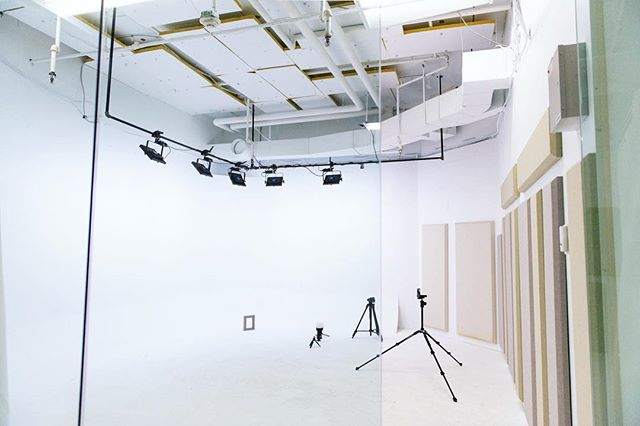 We're excited to announce the completion of The Studio at our Pac Tower location! This space is perfect for video, photo, and other creative projects. Thanks to the @gendev.co team for all the hard work they put into the buildout of this space. ⠀⠀⠀⠀⠀⠀⠀⠀ Visit our website for pricing and booking info! ⠀⠀⠀⠀⠀⠀⠀⠀ Choose Community ⠀⠀⠀⠀⠀⠀⠀⠀ 📷 @vividreveal ⠀⠀⠀⠀⠀⠀⠀⠀ ⠀⠀⠀⠀⠀⠀⠀⠀ ⠀⠀⠀⠀⠀⠀⠀⠀ ⠀⠀⠀⠀⠀⠀⠀⠀ #ChooseCommunity #Community #CommunityFirst #CommunityOverCompetition #TogetherIsBetter #TeamWork #Coworking #CoworkingSpace #CoworkingOffice #CoworkingCommunity #MeetingRooms #MeetingSpace #WorkLocal #SupportLocal #RomoteWork #CreativeOffice #OfficeSpace #SharedSpace #SharedWorkSpace #Solopreneur #Entrepreneur #DigitalNomad #Community #PNW #PDX #Vanwa #Vancouver #Washington