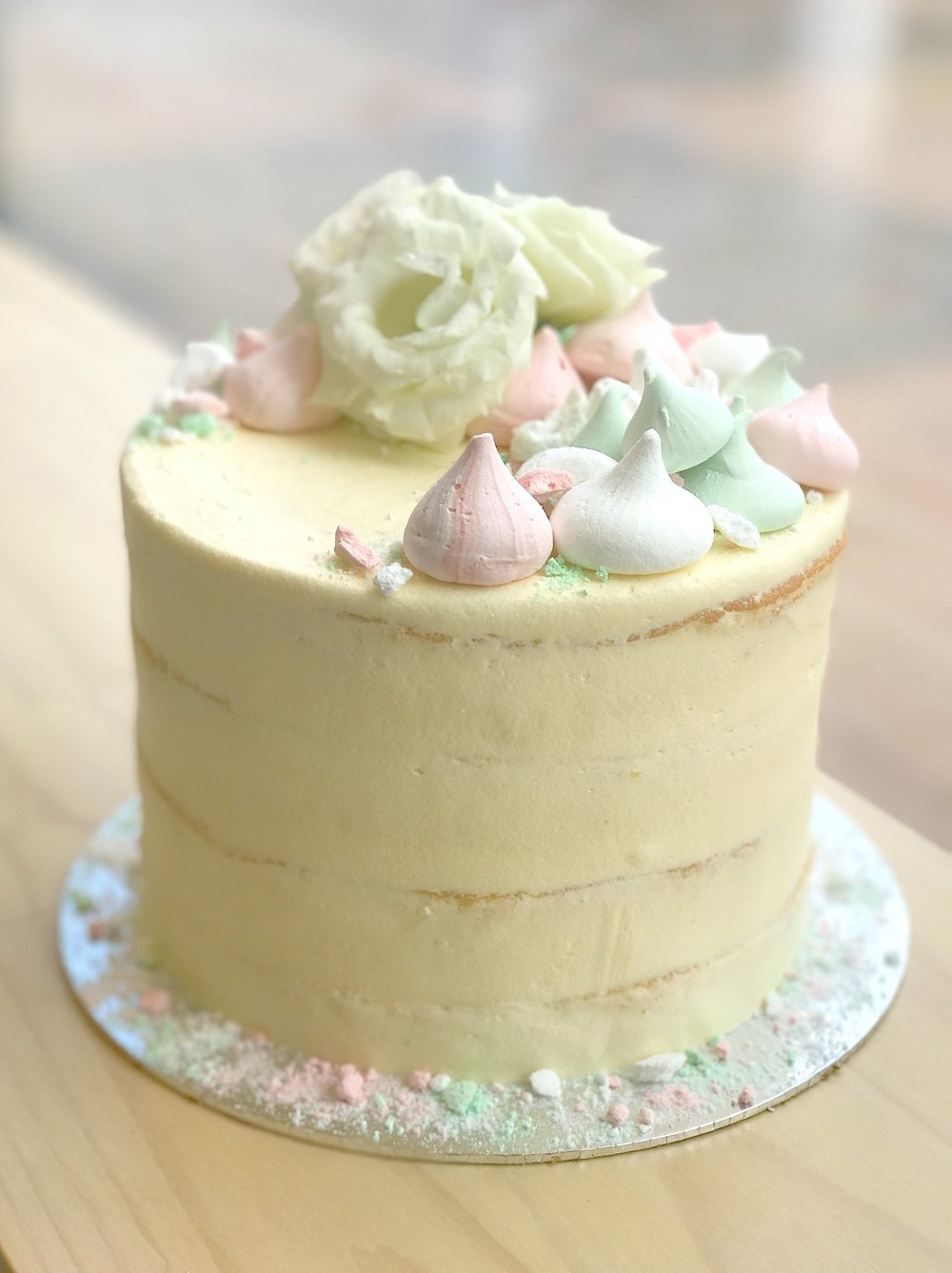 light wedding cake.jpg