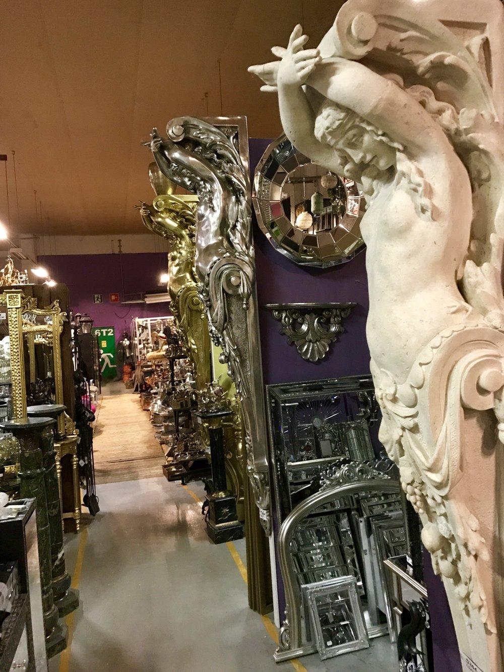 Lady pilasteri kivenvärinen 970€
