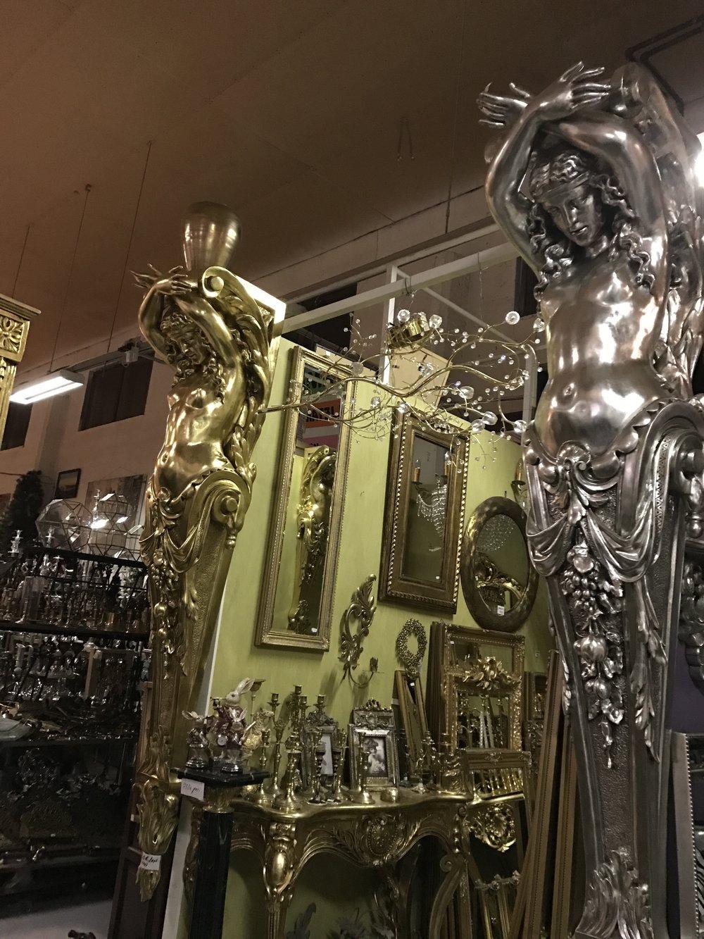 Lady pilasteri hopea tai kulta 1250€/kpl