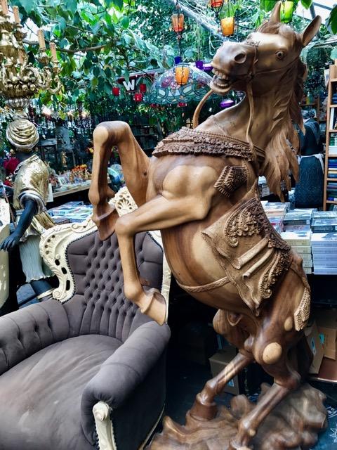 Puuhevonen patsas 1680€