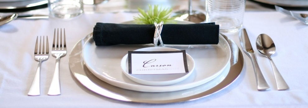 silver-charger-plates-Dining-Room-Modern-with-black-napkins-chartreuse-Christmas-Dining-modern-napkin-rings-silver-table-tablescape-white.jpg