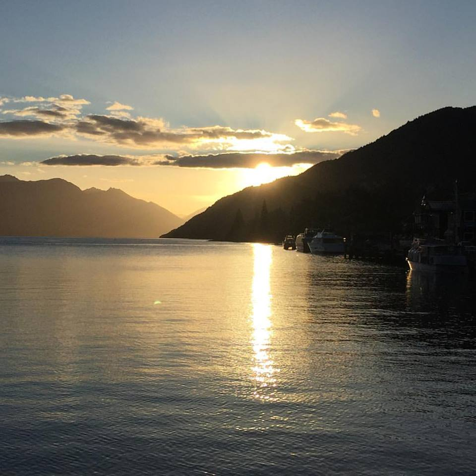 SUNSET OVER LAKE WAKATIPU, QUEENSTOWN