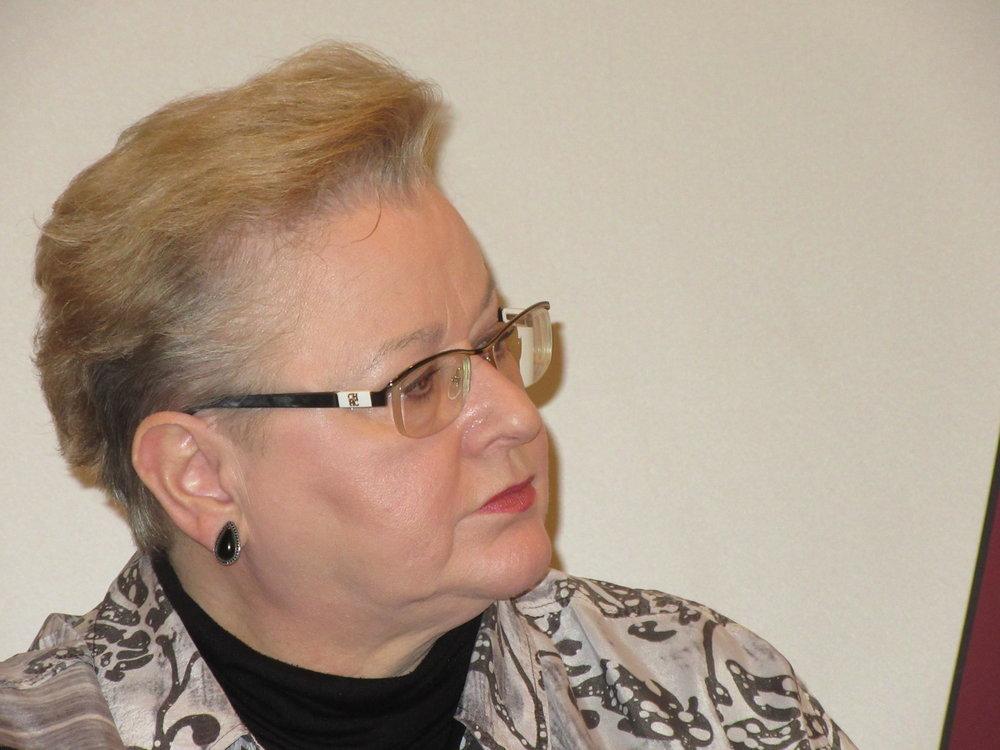 Senior Der Standard Editor and Moderator Dr Gudrun Harrer