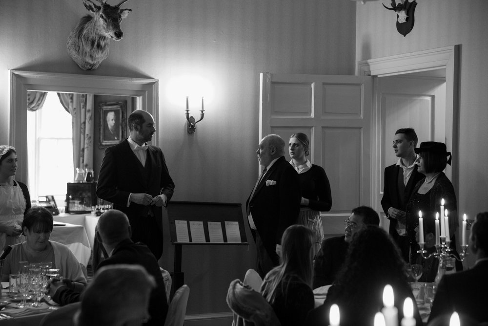 Murder at the Manor - Lord Granton and his staff invite you to his stately home for champagne, canapes... and murder! Don't underestimate the staff - they know more than you think…