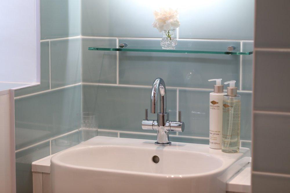 bathroom basin.jpg