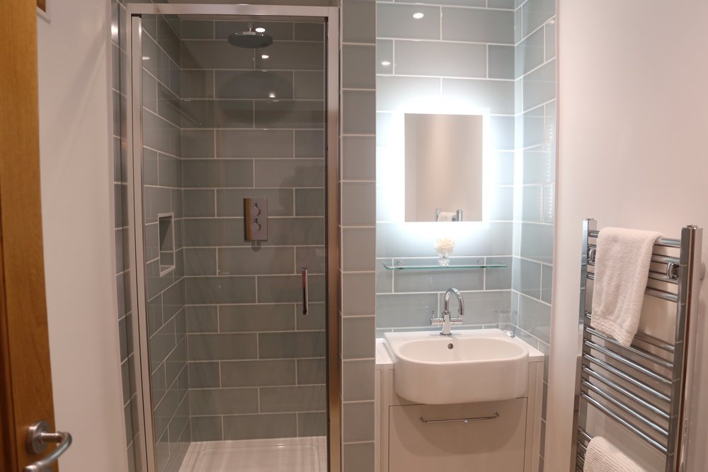 bathroom no window.jpg
