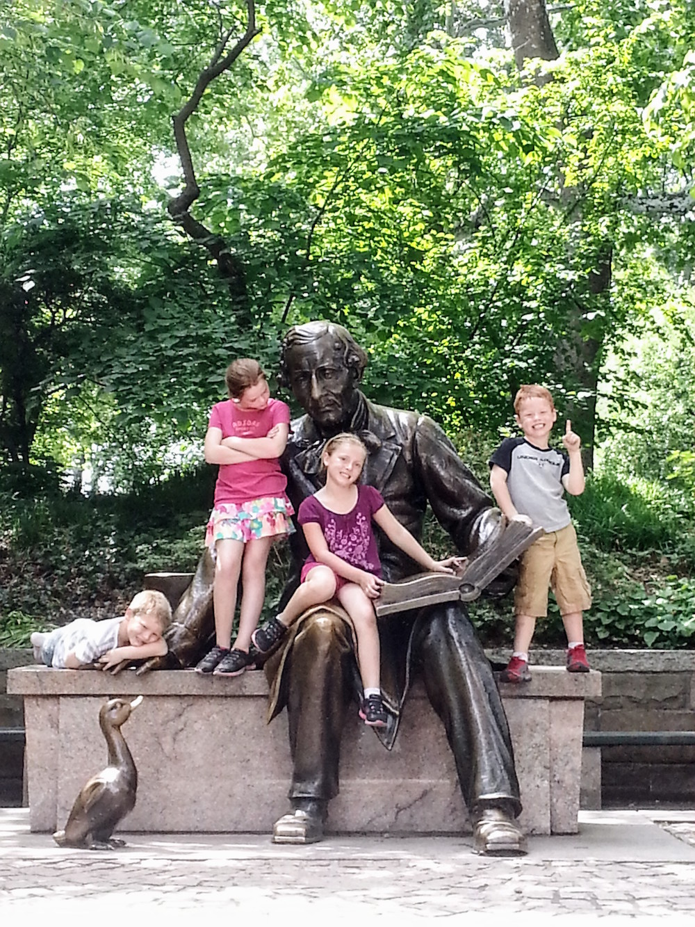 Hans Christian Andersen picture, Central Park, New York city.jpg