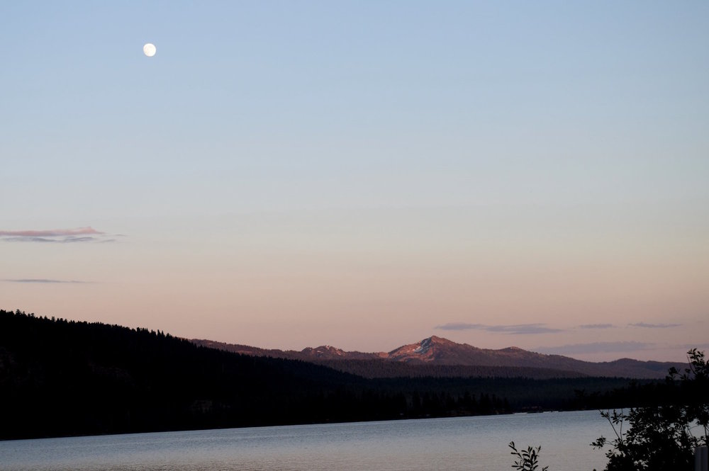 payette lake moon.JPG
