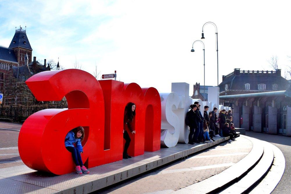 i-am-amsterdam-crowds.jpg