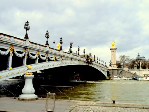 bridge-berges-de-seine.JPG
