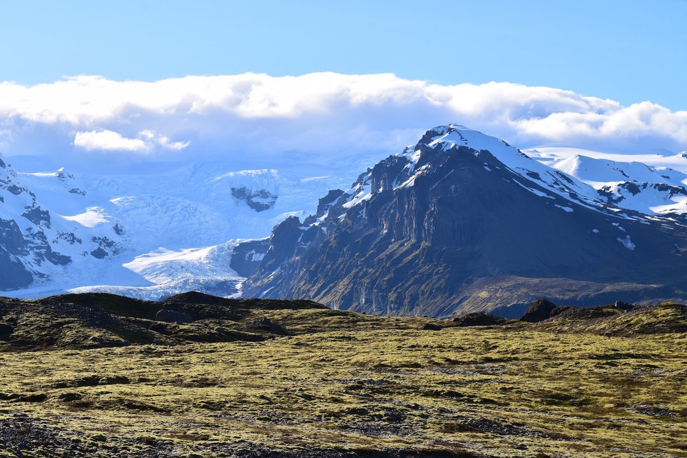 Glacier between Skaftafell National Park and Fjallsárlón Glacier Lagoon