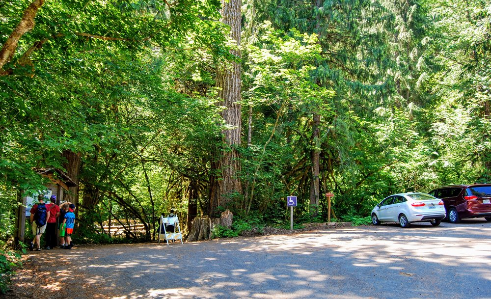 Trailhead at the far end of Colonial Creek Campground