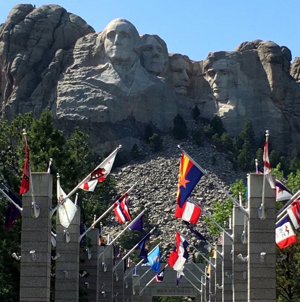 mount-rushmore-flags.JPG