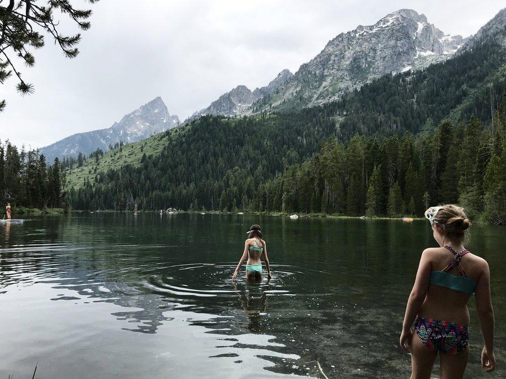 Shallow water of String Lake
