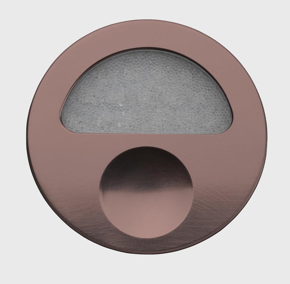 Zephyr-Bronze-Front-Closed-Off-GB.jpg