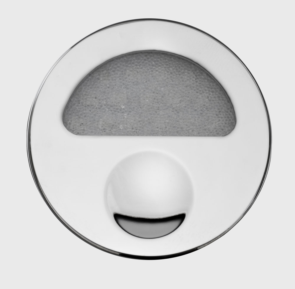 Zephyr-Nickel-Front-Closed-Off-GB.jpg