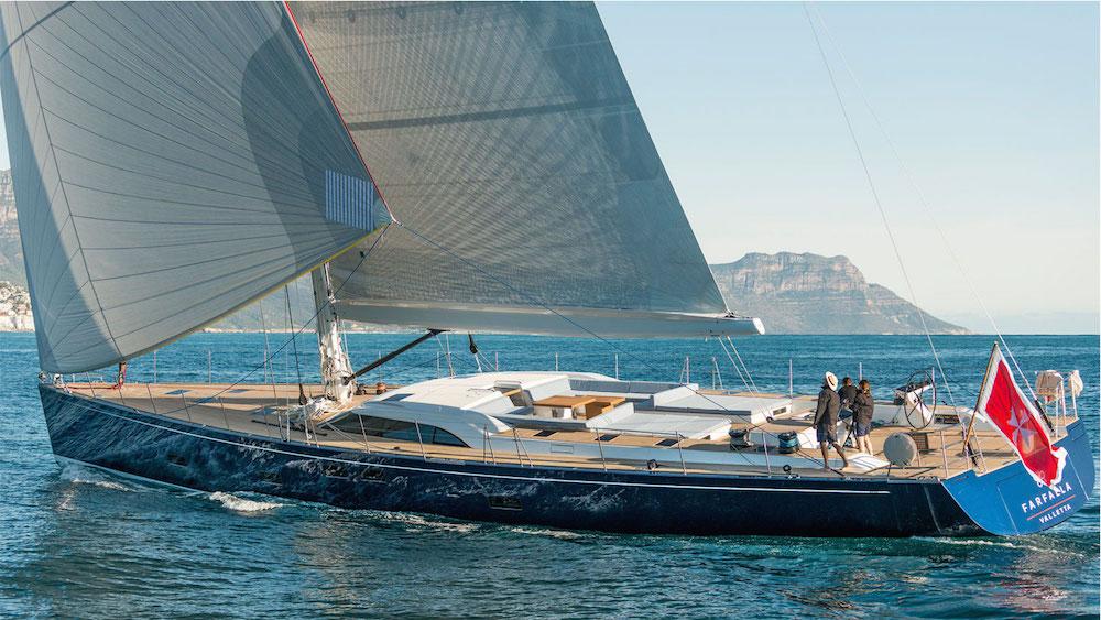 Yacht Farfalla under sail